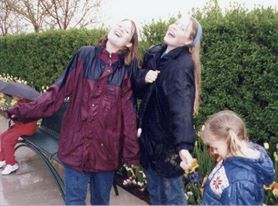 singing in the rain sisters